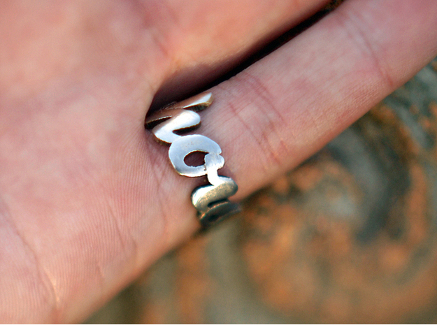 Somehow Ring (Size US 8) 3d printed Stainless Steel (polished)