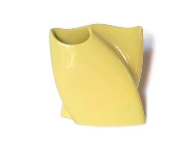 wave vase 3d printed Avocado Green Ceramics